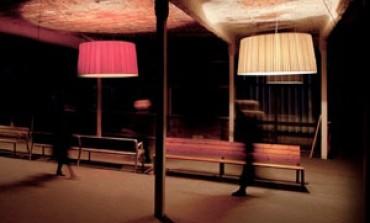 GT1500, la lampada Santa & Cole in formato XXL