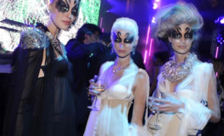 Milano brilla di glamour e cristalli con Swarovski Fashionation