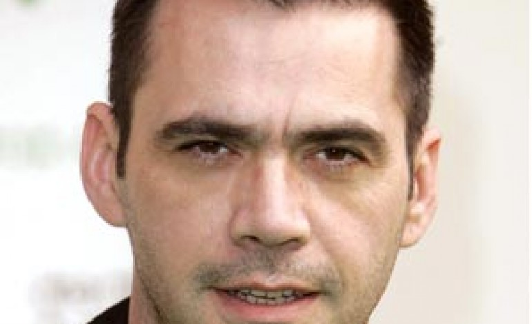Robert Clergerie sceglie Roland Mouret come direttore creativo