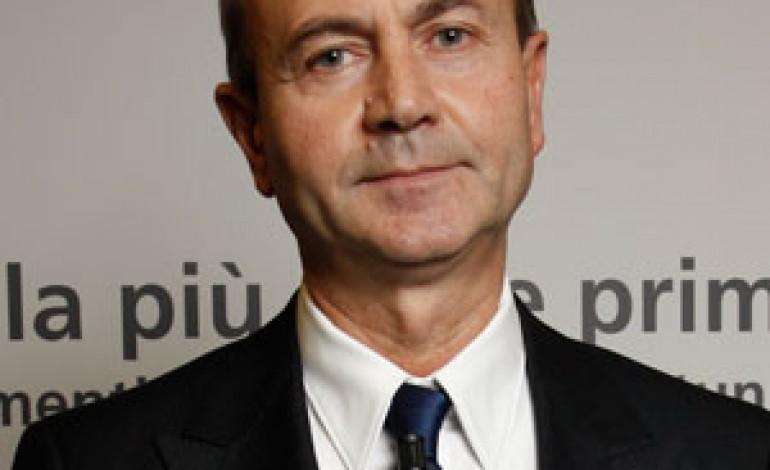 Versace continua a crescere e punta ai giovani con Versus e H&M