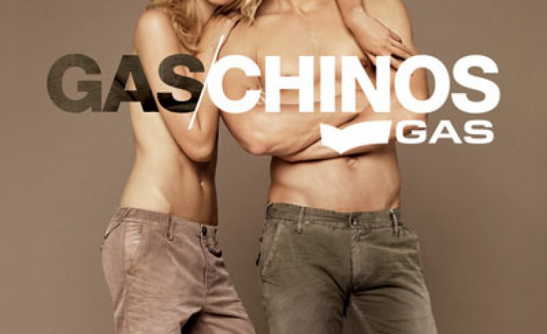 Gas reinterpreta il pantalone Chino