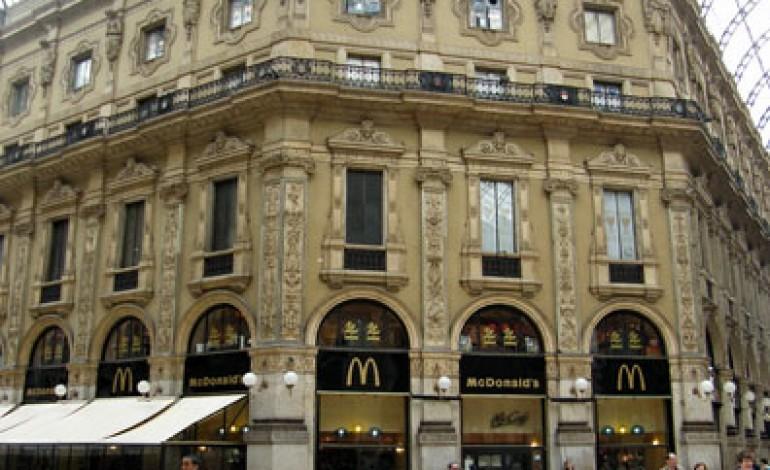 Prada si aggiudica lo spazio in Galleria a Milano