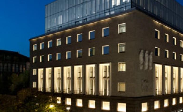 Stay with armani apre a milano il nuovo hotel di re for Hotel nuovo milano
