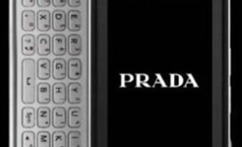 Prada: rinnova collaborazione con LG e lancia il nuovo 3.0
