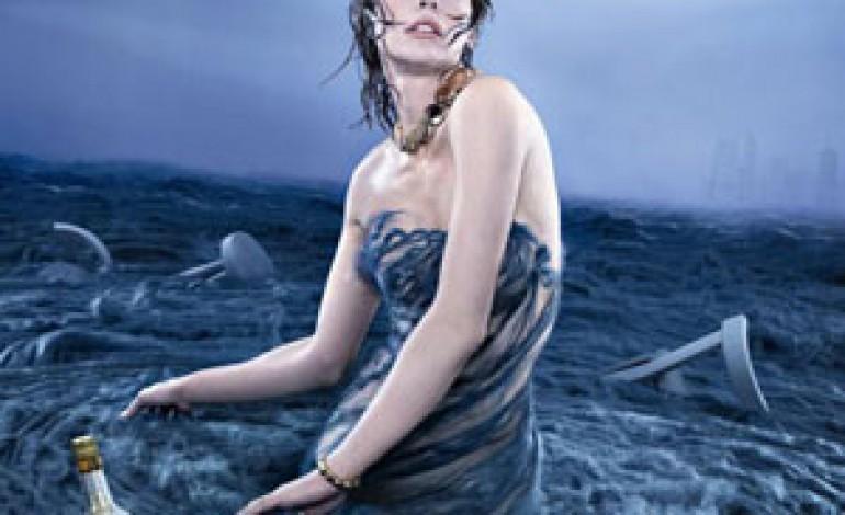 I gioielli Vhernier nel calendario Campari 2012