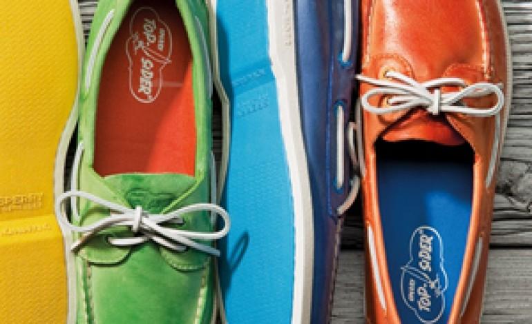 Collective Brands cresce con 5 nuove licenze