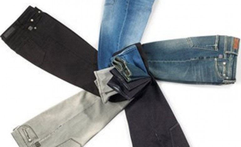 Geox lancia la prima linea di jeans Blu Geox