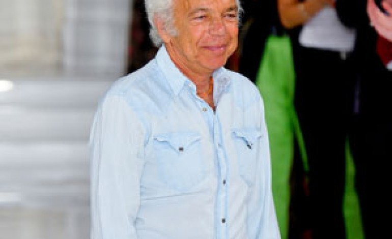Ralph Lauren, trimestre in calo e taglio dell'outlook 2013