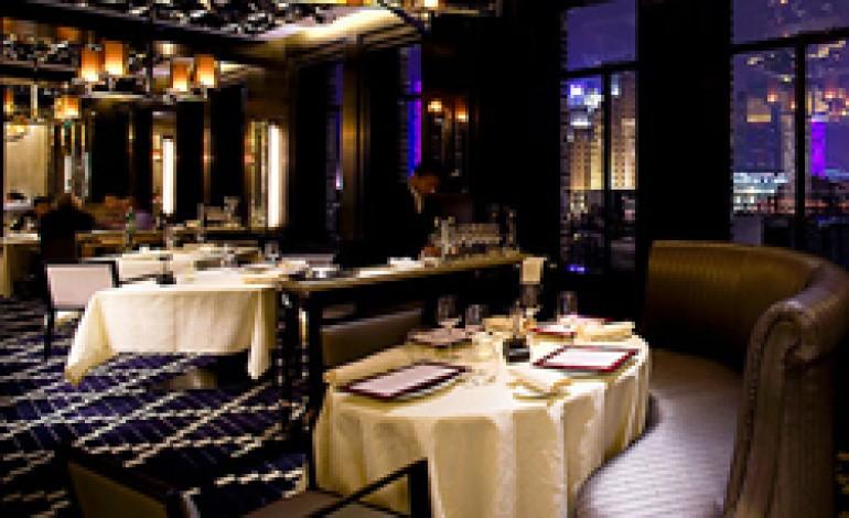 Tre stelle Michelin allo chef Bombana a Hong Kong