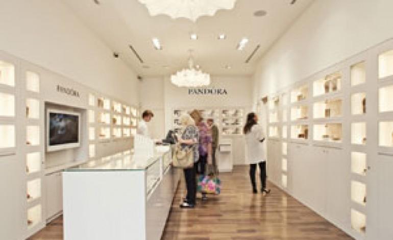 I charm di Pandora puntano sull'Italia