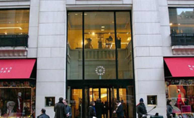 Barneys New York passa a Perry Capital