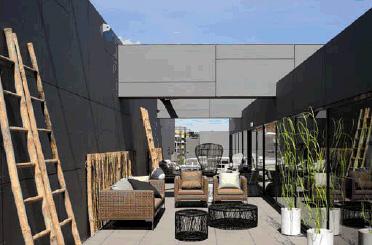 B b italia 2 piani nel nuovo rbc design center for Industria italiana arredi