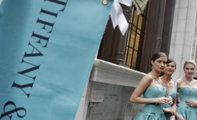 Tiffany (+6% a Wall Street) reagisce al taglio delle stime