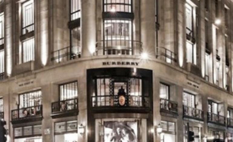 Burberry a Londra con il suo più grande store