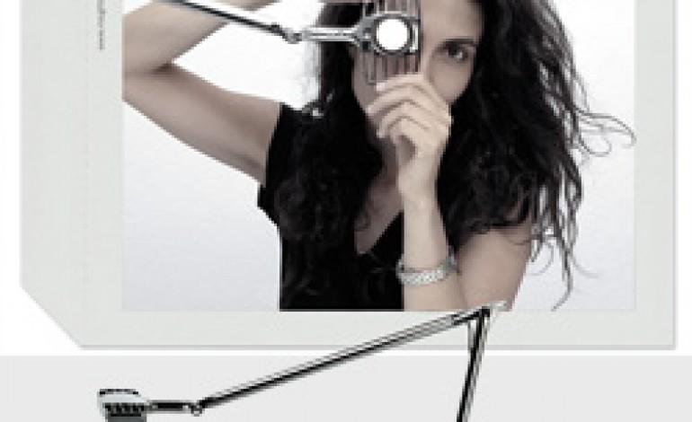 Tune your white è il claim della nuova campagna di Luceplan