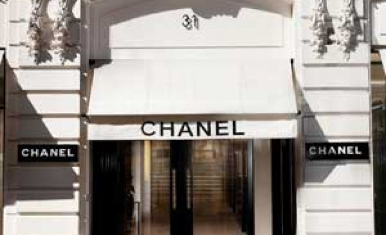 Chanel: no all'e-store, sì all'e-service