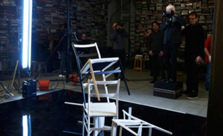 Karl Lagerfeld fotografa il design di Cassina