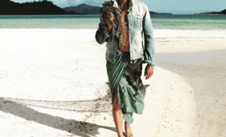 Guess vola a Bora Bora per campagna P/E 2013