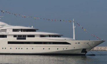 Ferretti vara un mega yacht da 80 metri