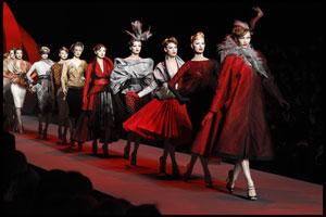 Il finale del défilé di Dior al Museo Rodin nel 2011