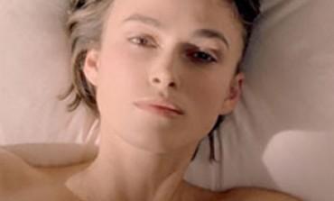 Keira Knightley troppo sensuale, vietato lo spot Chanel