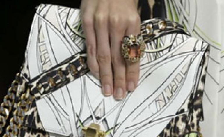 Milano moda donna, ecco le sfilate. E le polemiche