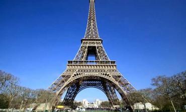 La sostenibilità dopo il negozio? Parigi impone il riciclo per legge. I brand si affidano al second hand