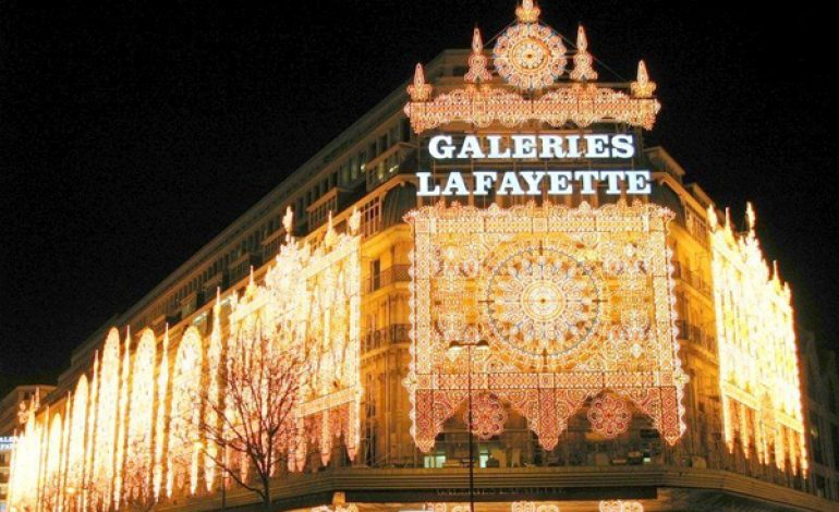 Turismo in calo, Galeries Lafayette va all'estero