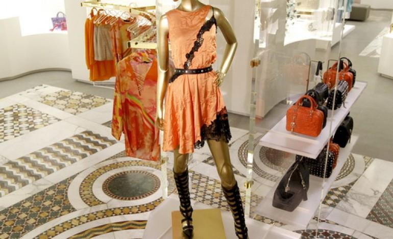 Parte da Parigi il nuovo concept store Versace
