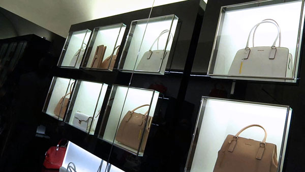 Borse Cromia nello store di via della Spiga