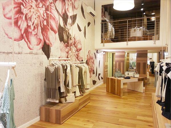 L'interno del negozio Fixdesign a Padova