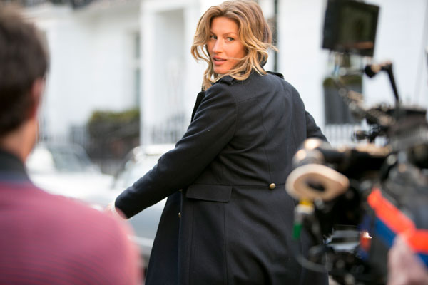 Gisele Bundchen in uno scatto del backstage