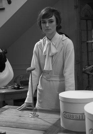 Keira Knightley nei panni di Mademoiselle Coco