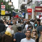 Pic by Graham Hussey pic shows Sale shoppers in Oxford Street London.