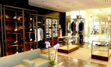Kiton spinge sul retail