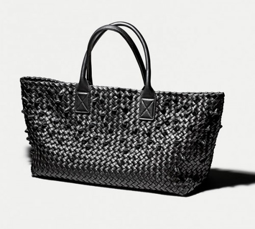 La borsa Cabat di Bottega Veneta (collezione Early Fall 2013)