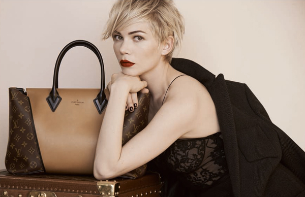 Michelle Williams con la borsa W nella nuova campagna Louis Vuitton