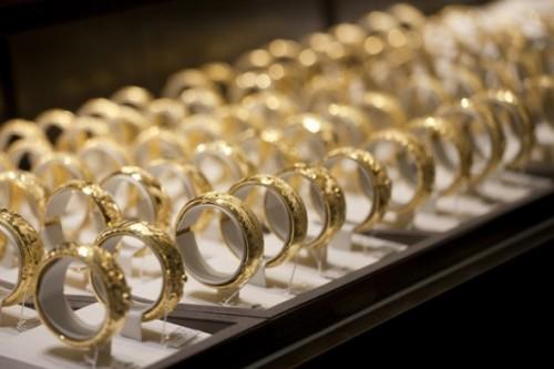 Alcuni anelli della catena Chow Tai Fook