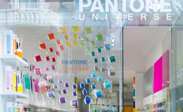 Pantone colora Milano con il primo store