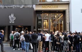 Flagship Moncler a Parigi