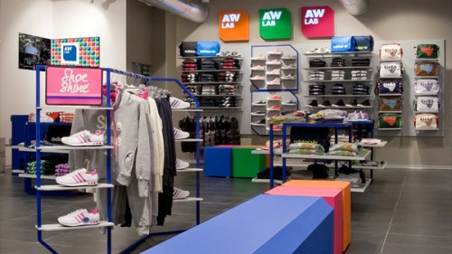 Uno store AW Lab