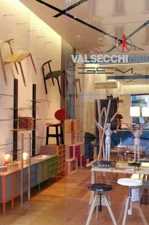 Lo store di Valsecchi 1918 a Firenze