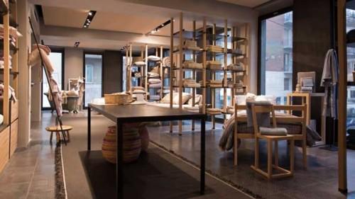 L'interno dello store Zucchi Home Fashion in corso Genova