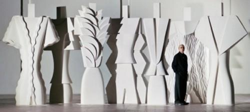 Flavio Lucchini tra i suoi White Totem- di Oliviero Toscani