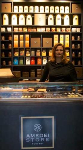 Cecilia Tessieri nel negozio di NY