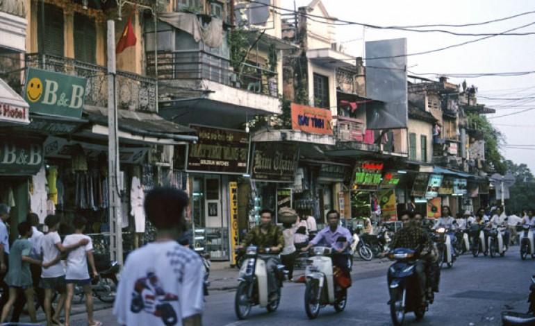 I cinesi di Tal delocalizzano in Vietnam