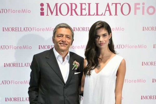 Massimo Carraro, CEO di Morellato Group, e Sara Sampaio