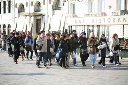 Un gruppo di turisti cinesi