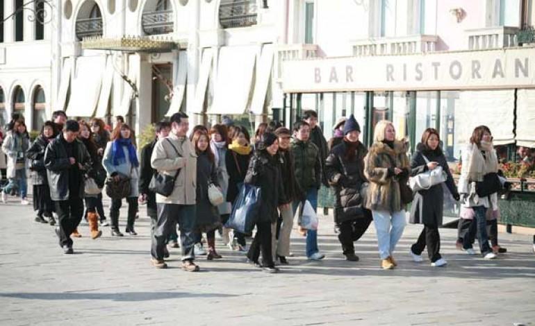 Per i turisti cinesi più svago e meno shopping