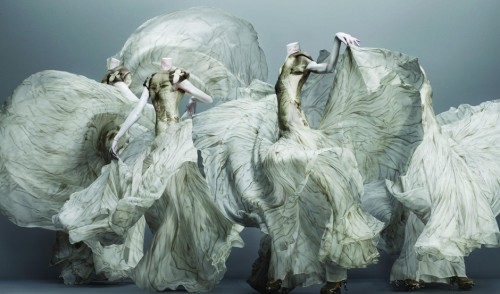 Alexander McQueen - Mostra Savage Beauty al Met di New York